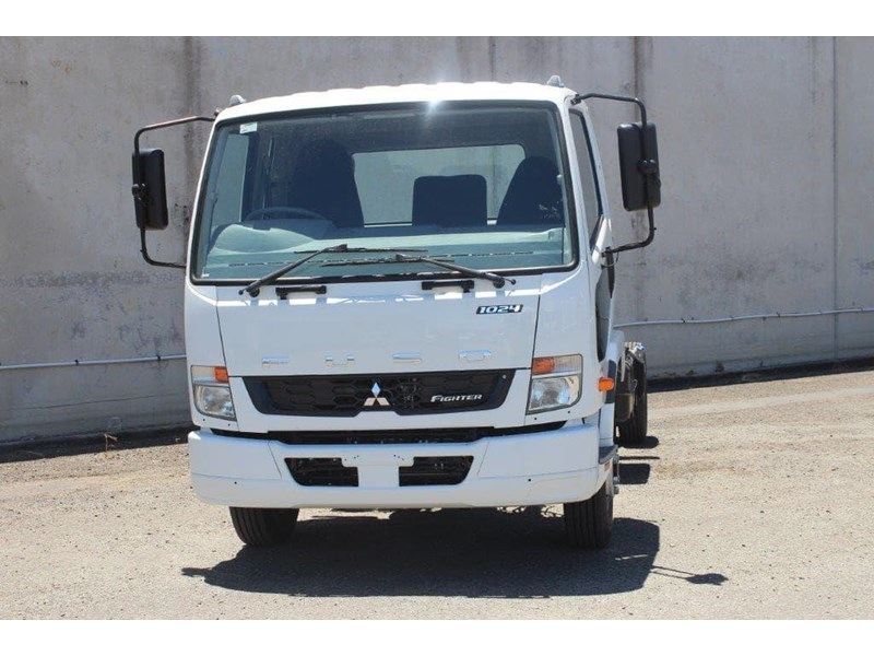 fuso fighter 828155 004