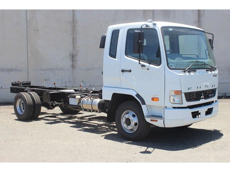 fuso fighter 828155 016