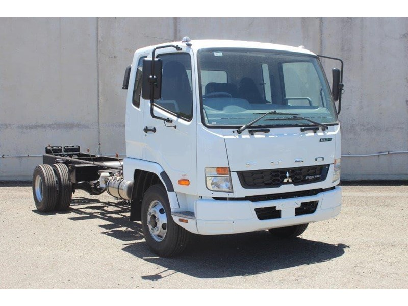 fuso fighter 828155 014