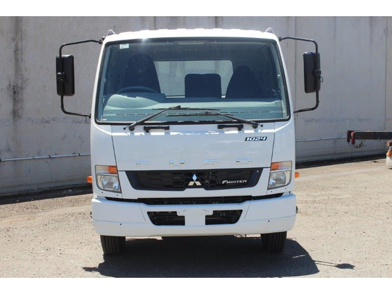 fuso fighter 828155 002