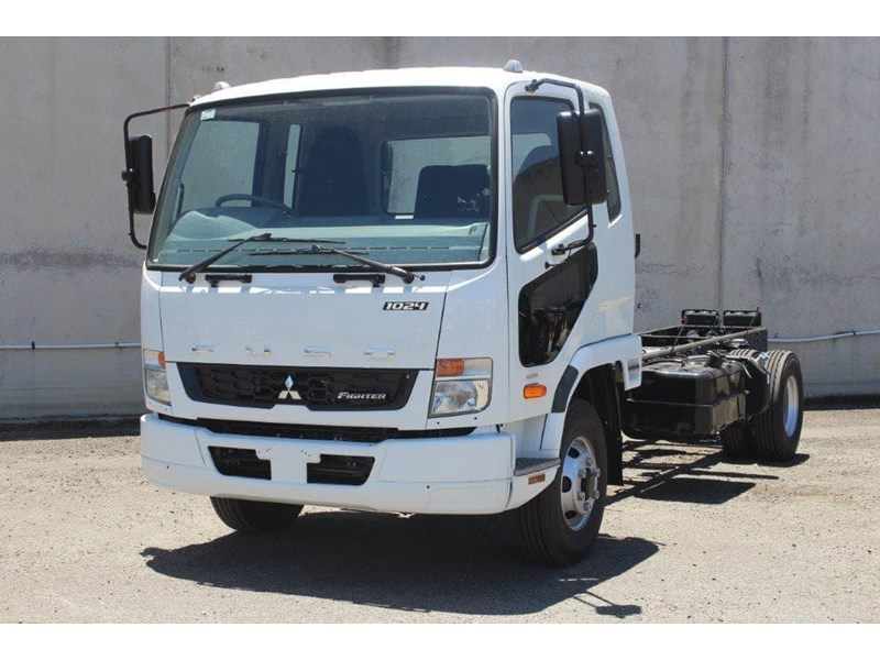 fuso fighter 828155 005