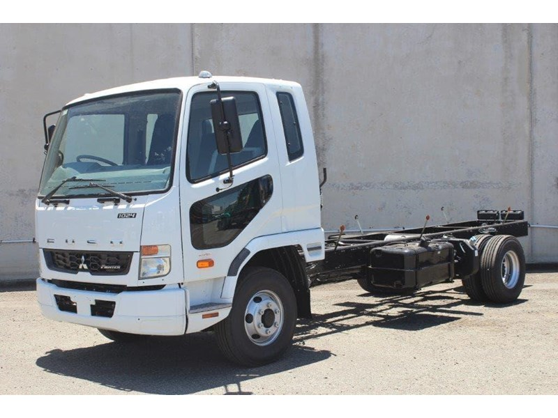 fuso fighter 828155 006