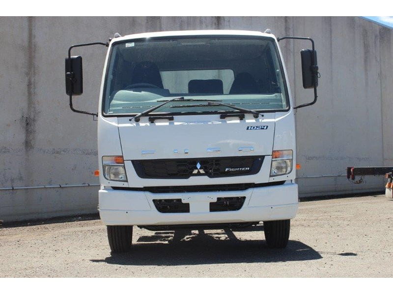 fuso fighter 828155 003