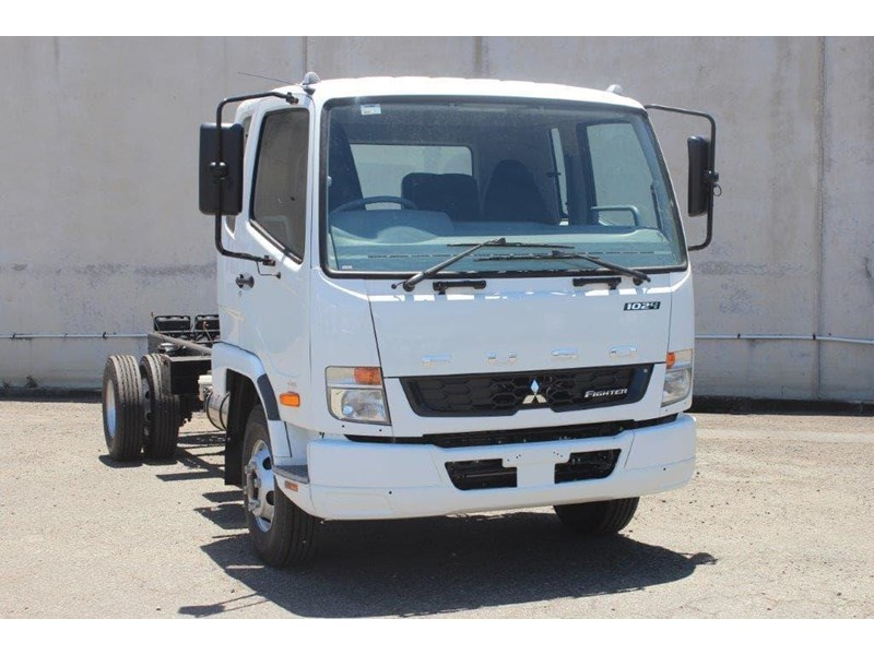 fuso fighter 828155 012