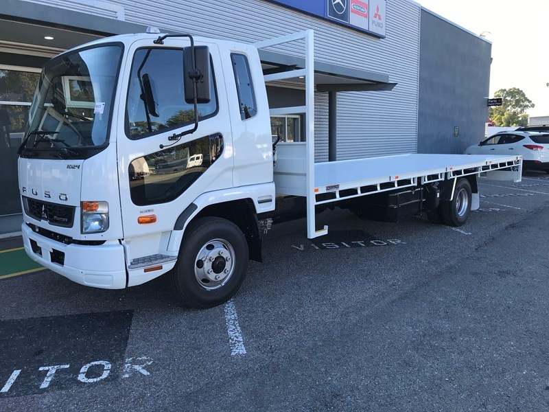 fuso fighter 1024 834677 020
