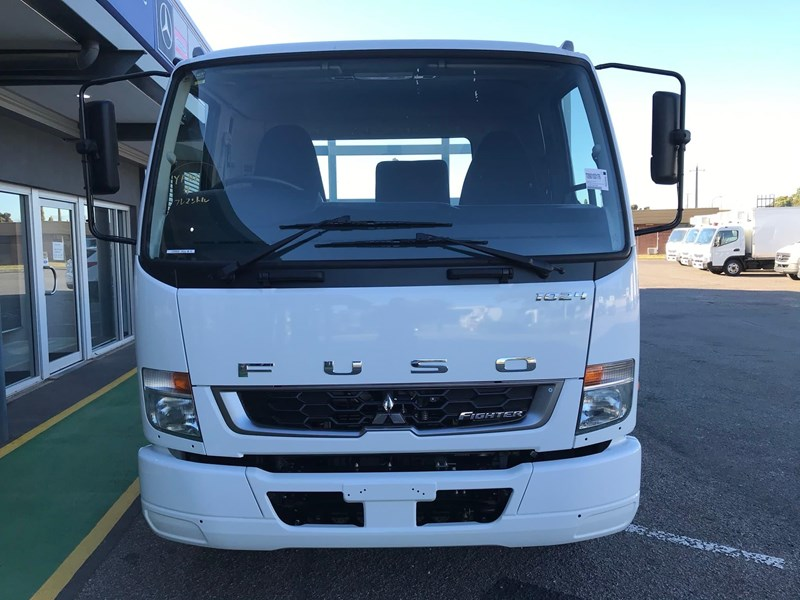 fuso fighter 1024 834677 002