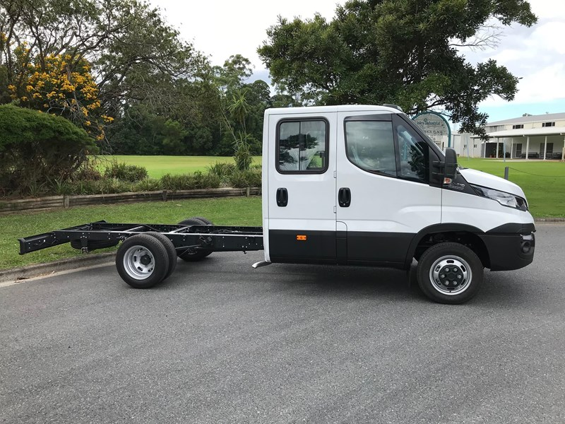 iveco daily 35s17 795409 005