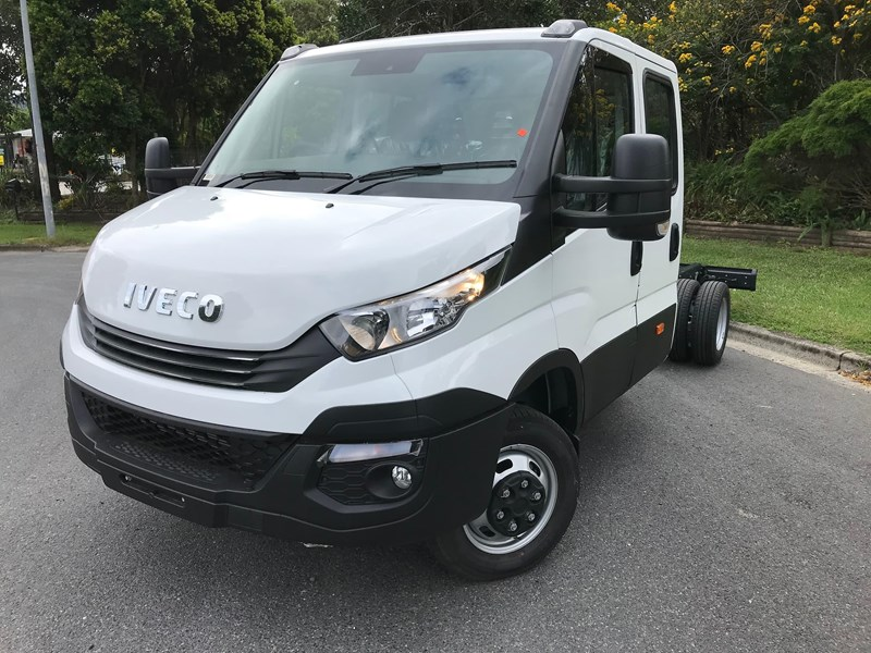 iveco daily 35s17 795409 002