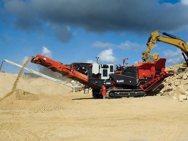 Sandvik QI441 Mobile Impact Crusher