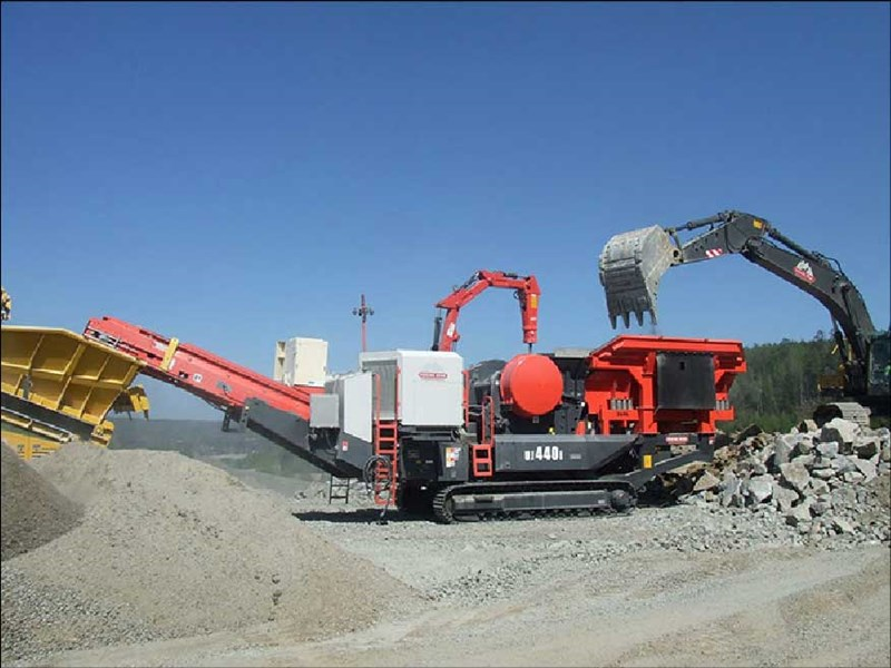 Sandvik UJ440i Mobile Jaw Crushers