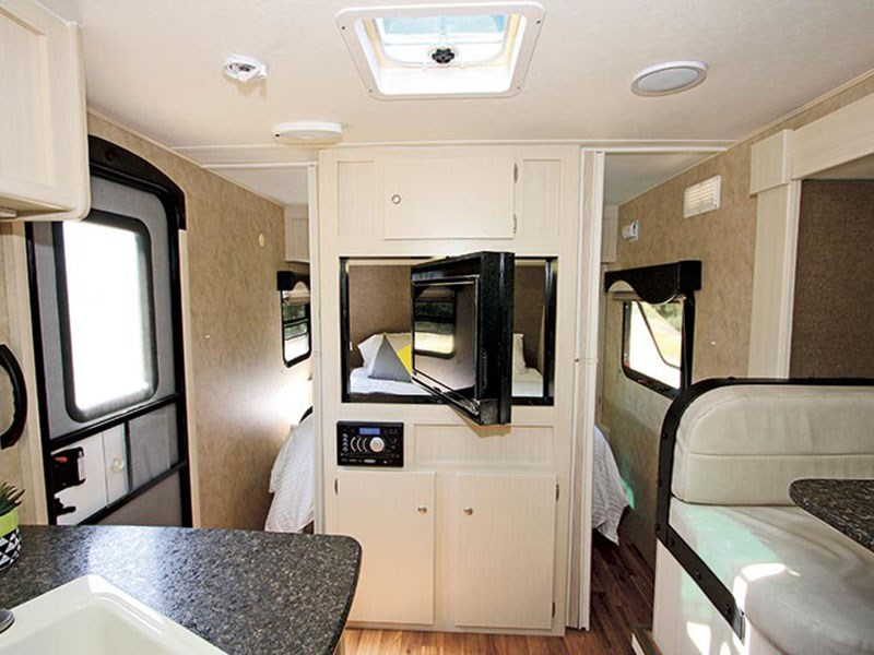 Winnebago Minnie 2206AUS