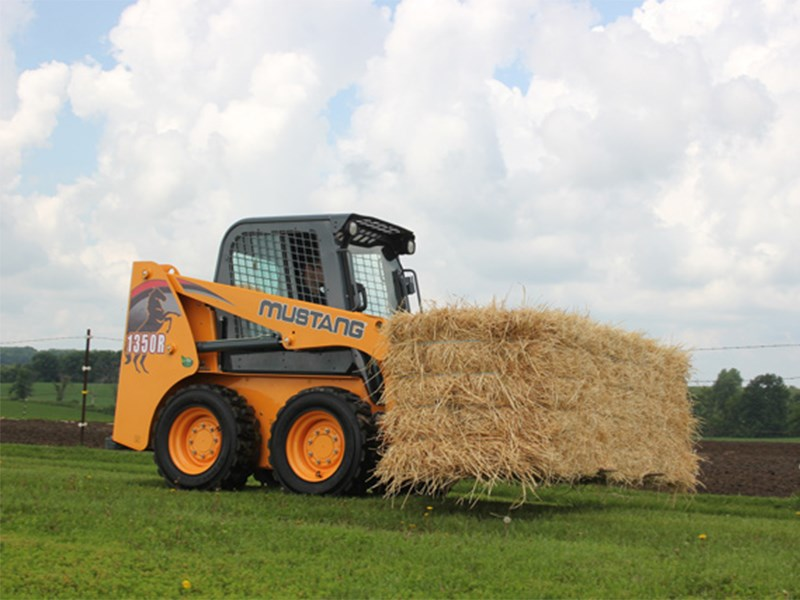 Mustang 1350R Skid Steer Loader