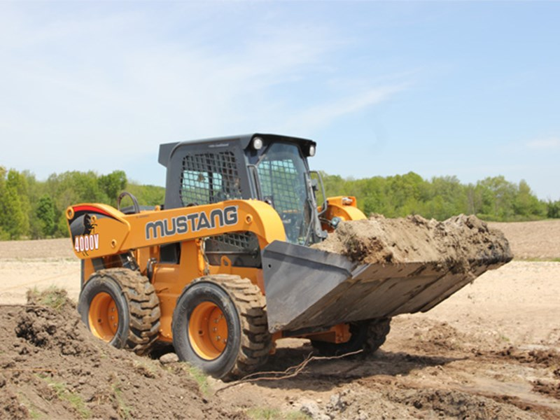 Mustang 4000 Skid Steer Loader