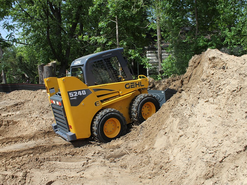 Gehl 5240E Skid Steer Loader