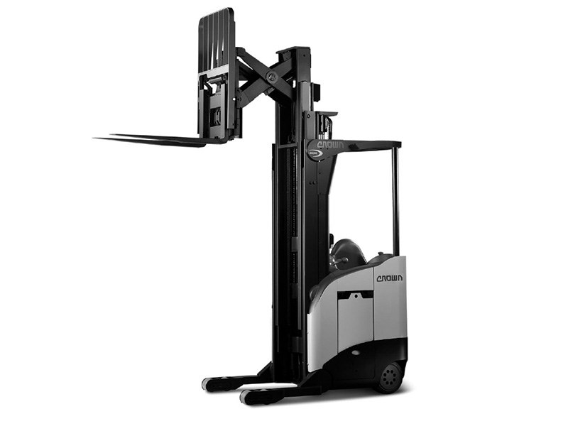 Crown RR 5700 Series Reach Truck