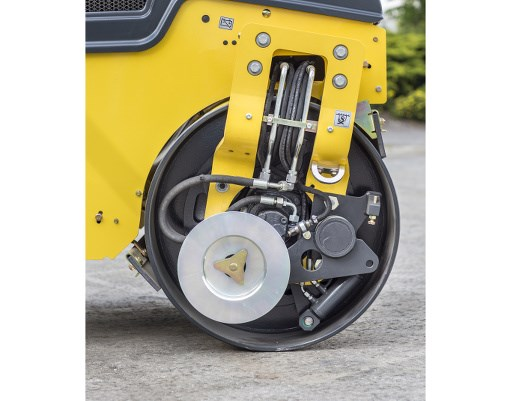 Bomag BW100AC-5 combination roller