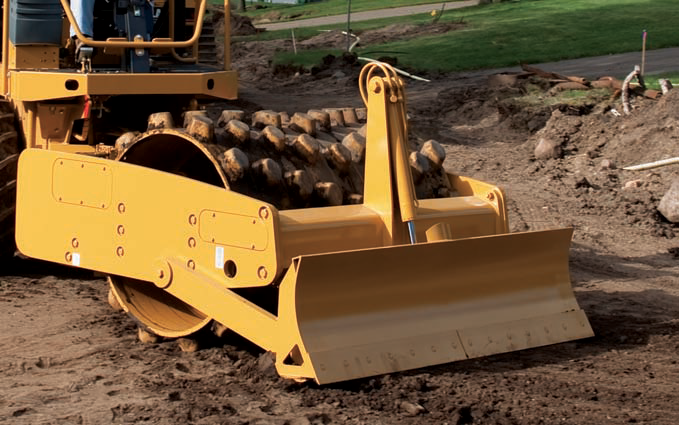 Caterpillar CP44 soil compactor