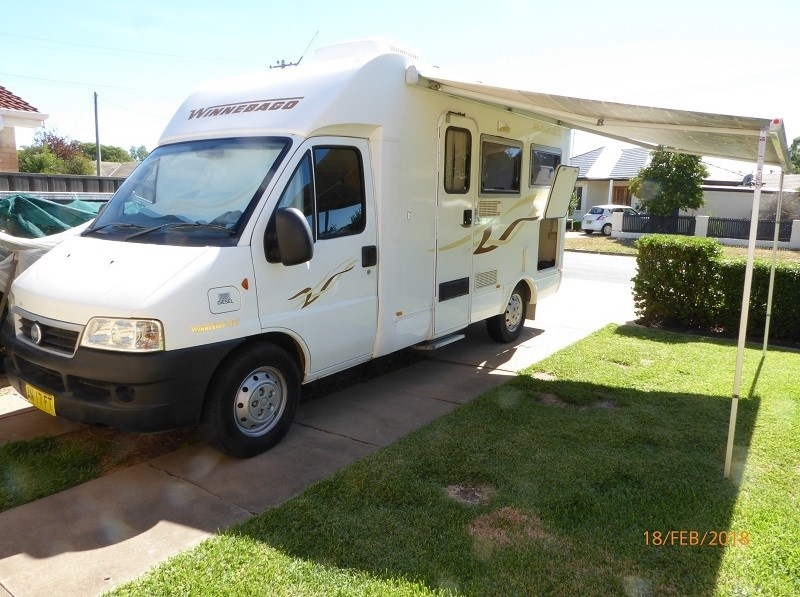 winnebago industries adventurer 1952 595902 001