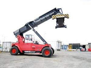 FANTUZZI CS45KE Reach Stacker for sale or hire