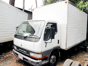 2000 MITSUBISHI CANTER FE6 for sale