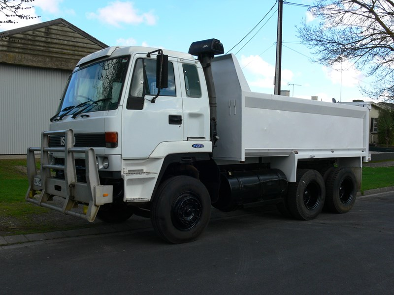 isuzu other 230835 001
