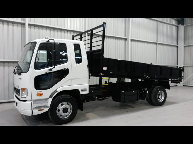 fuso fighter 1024 231919 001