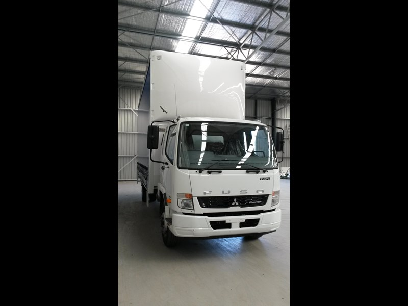 fuso fighter 1424 231636 003
