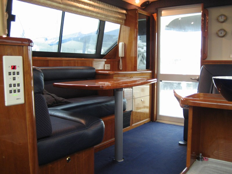 riviera 3850 flybridge cruiser 232429 005