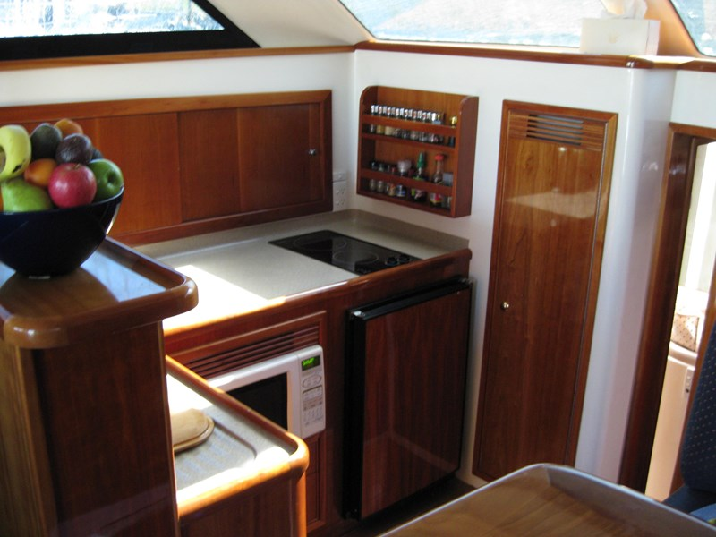 riviera 3850 flybridge cruiser 232429 009