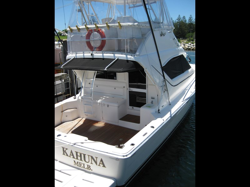 riviera 3850 flybridge cruiser 232429 021