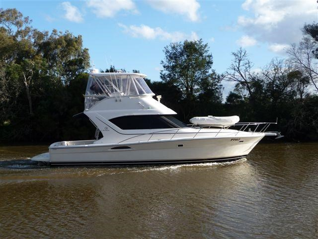riviera 3850 flybridge cruiser 232429 001