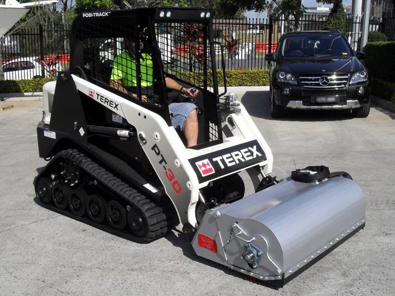 rhino heavy duty sweeper. 1300mm enclosed bucket broom suit pt30 asv track loaders [attbroom] 236365 003