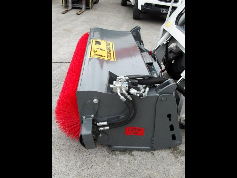 rhino heavy duty sweeper. 1800mm open mouth 4 in 1 bucket broom suit caterpillar skid steer cat loaders 236540 003