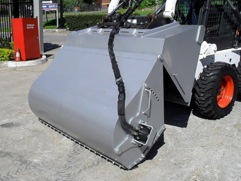 rhino heavy duty - 1800 mm enclosed bucket broom for skid steer loaders [attbroom] 236557 007