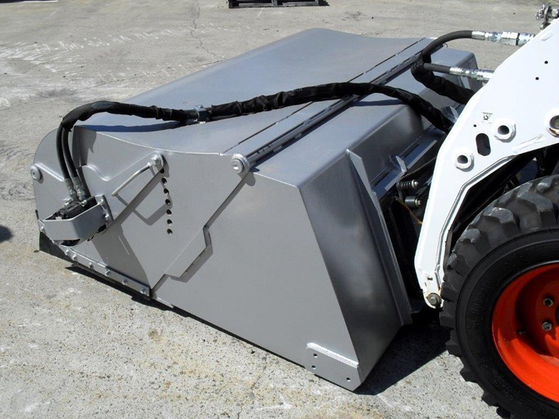 rhino heavy duty - 1800 mm enclosed bucket broom for skid steer loaders [attbroom] 236557 015