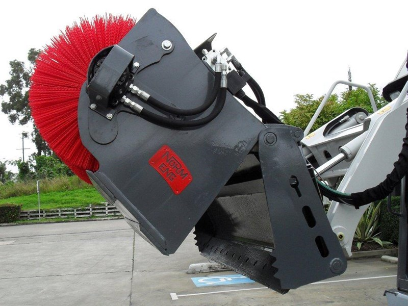 rhino heavy duty sweeper. 1800mm open mouth 4 in 1 bucket broom suit caterpillar skid steer cat loaders 236540 007