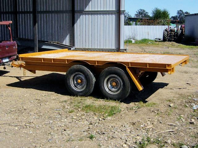 leg tipping trailer 8297 001