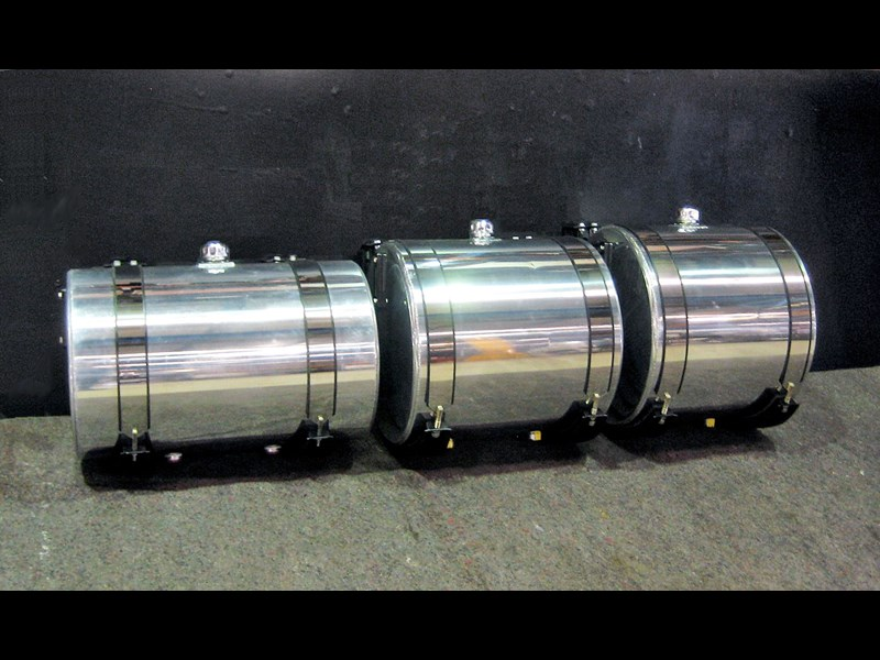 hydraulic oil tanks - polished alloy 18292 001