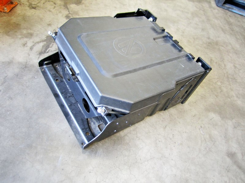 battery box assy suit 700/500 with large batteries 17712 001