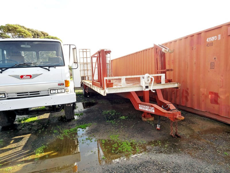 unknown single axle 38235 001