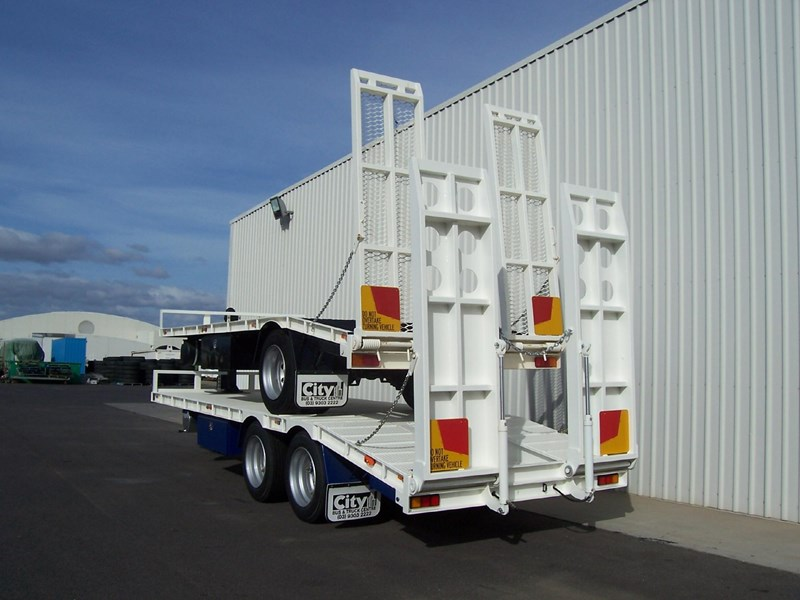 cbtc single, tandem & tri-axle machinery trailers 14233 003