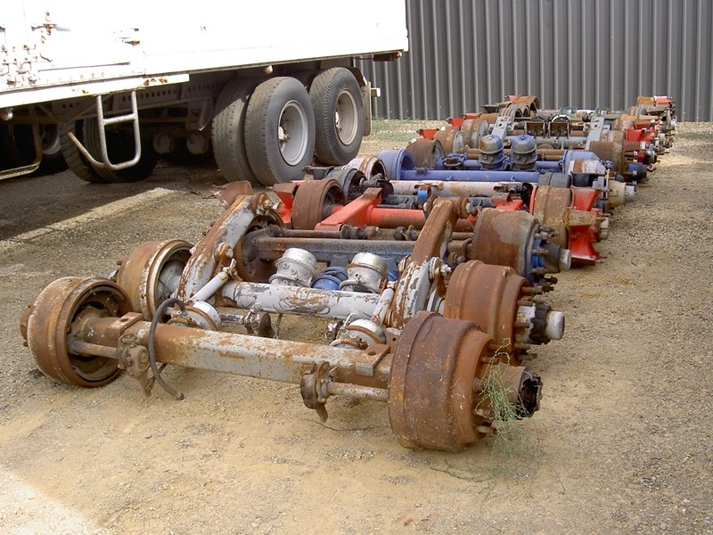various trailer axles 12922 001