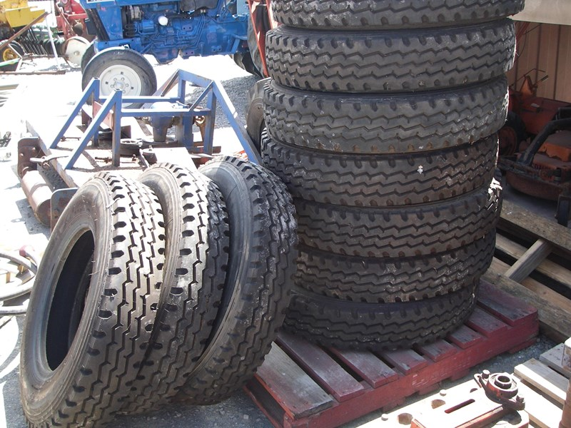 other truck tyres 13972 001