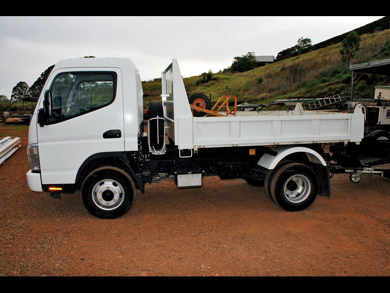 fuso canter 1249 003