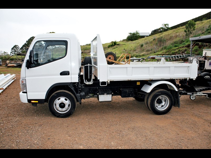 fuso canter 1249 002