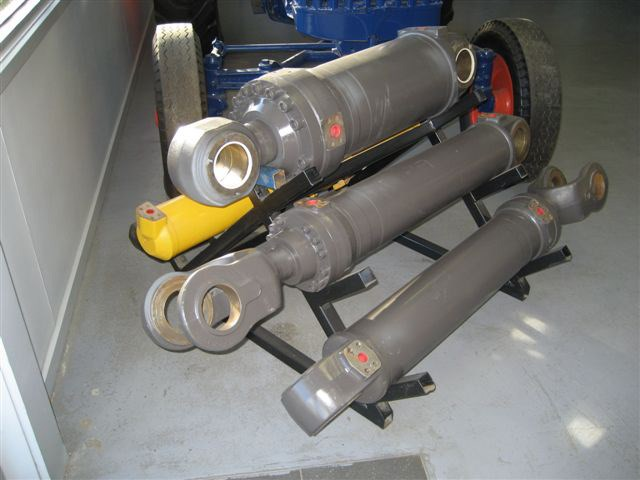 reconditioned hydraulic cylinders available 10722 001