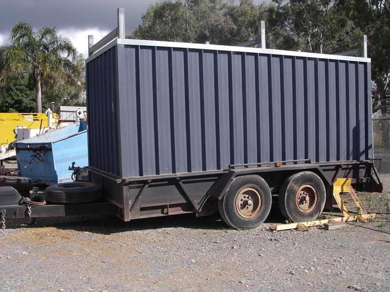 other tandem trailer 13484 003