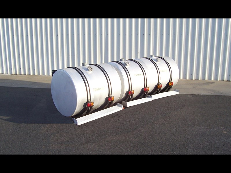 various new and used fuel tanks 18270 007