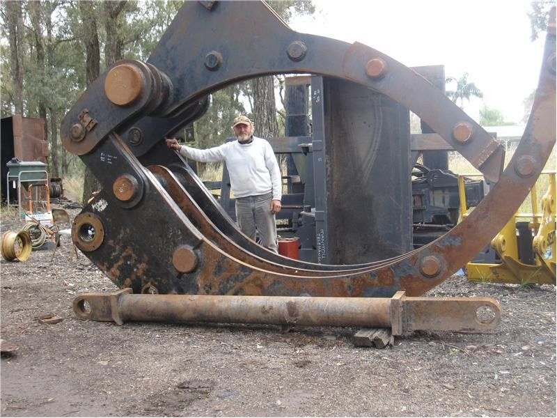 unknown suit 70-100 ton excavator 37200 017