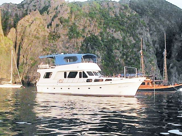 business or pleasure charter boat thailand 46840 001